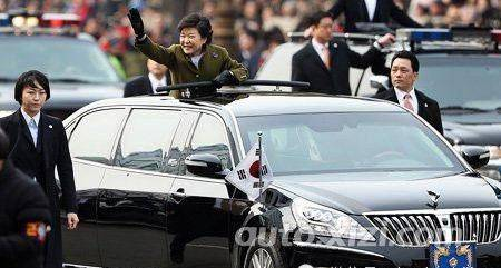 首座驾哪家强 国产红旗汽车当自强高清图片