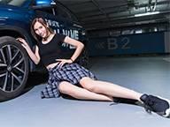 地下车库负二层,遇到了爱玩球的女司机